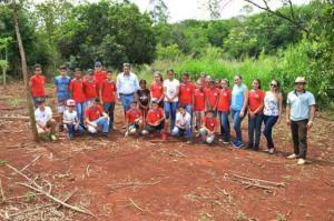 Palestra e plantio de arvores marcam agenda ambiental unificada em Quinta do Sol