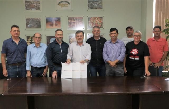 Assinadas Escrituras de Doação de Terrenos por parte do Governo do Estado