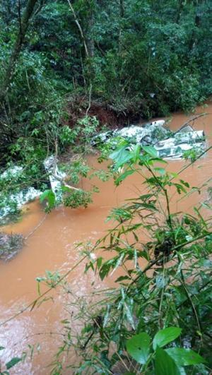 Avião de pequeno porte cai em rio de Roncador e deixa vítimas fatais