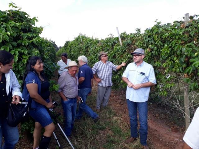 Reunião sobre a cultura do Maracujá reúne produtores em Araruna