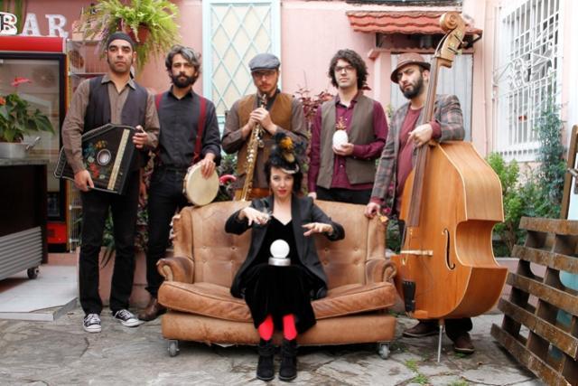 Em comemoração aos 10 anos de existência a banda curitibana realizará show gratuito em Campo Mourão