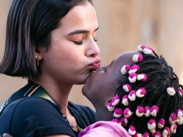 Bruna Marquezine revela desejo de adotar criança: Tenho Muita vontade!