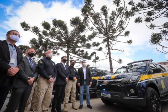 Governador entrega 30 novas viaturas para melhorar a fiscalização das rodovias