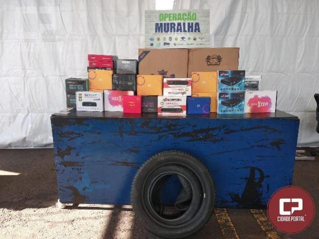 BPFRON apreende veículo carregado de mercadorias do Paraguai em Guaíra