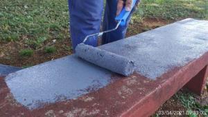 Força tarefa é realizada na praça das Américas para pintura e limpeza