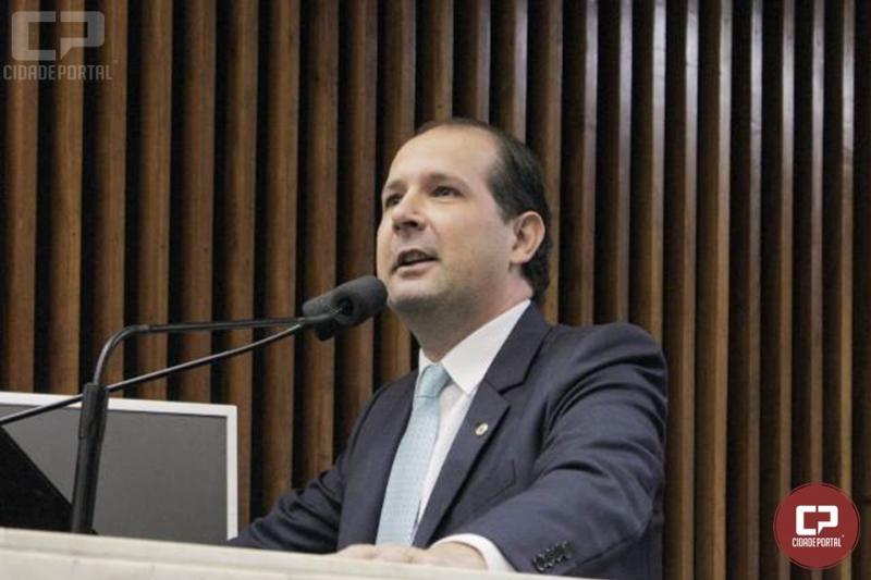 Micheletto crítica projeto que pretende acabar com 101 municípios do Paraná
