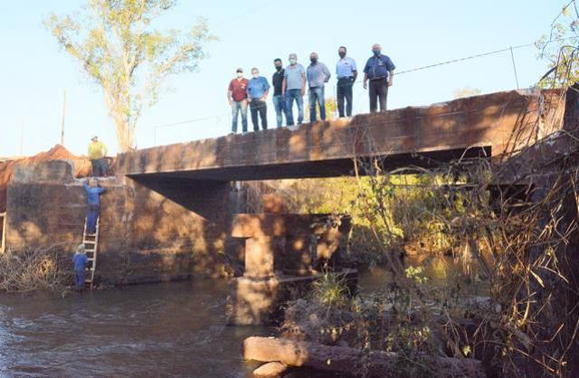 Prefeitura de Assis Chateaubriand inicia ampliação da ponte sobre o Rio Encantado, entre Silveirópolis e Nice