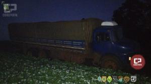PF, BPFron e COE apreendem caminhão carregado com cigarros contrabandeados em Terra Roxa