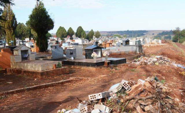 Prefeitura de Assis agiliza construção de novo muro no Cemitério Municipal