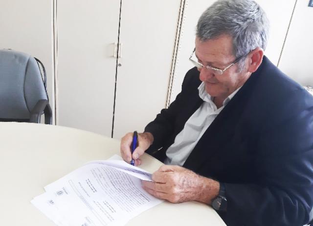 Prefeito Pegoraro assina convênio para construção de emissário pluvial em Bragantina