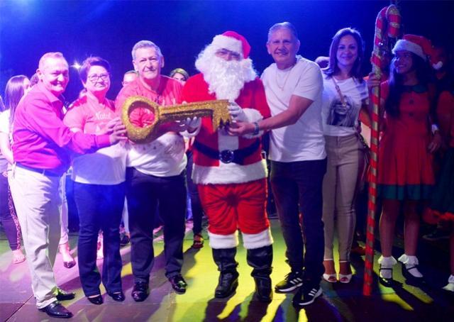 Natal Luz de Assis Chateaubriand é aberto com grande público
