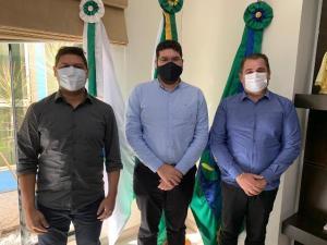 """Prefeito """"Valtinho"""" recebe o presidente da Câmara Municipal de Assis Chateaubriand"""