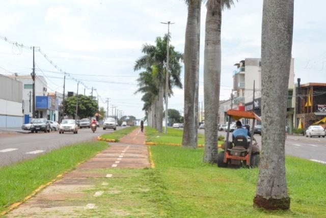 Serviços Urbanos estão em ritmo acelerado na cidade de Assis Chateaubriand