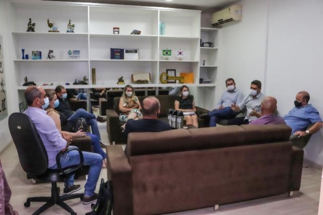 Prefeito Valtinho reúne-se com secretários municipais de Assis Chateaubriand