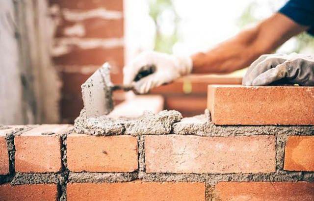 Agência do Trabalhador de Assis tem 30 vagas de pedreiro e servente para obra da Frimesa