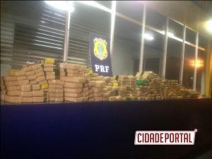 Polícia Rodoviária Federal de Santa Terezinha de Itaipu apreende uma pessoa com 239 kg de maconha