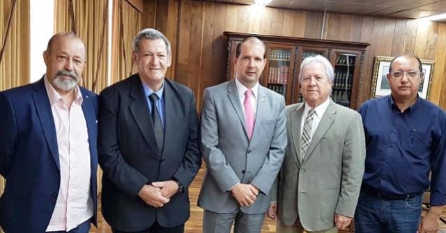Pegoraro e Micheletto se reúnem com presidente do Tribunal de Contas em Curitiba