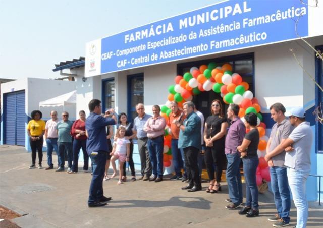 Prefeito de Assis Chateaubriand inaugura nova Farmácia Municipal