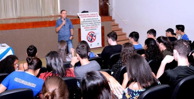 Saúde de Assis Chateaubriand orienta alunos sobre prevenção à doença