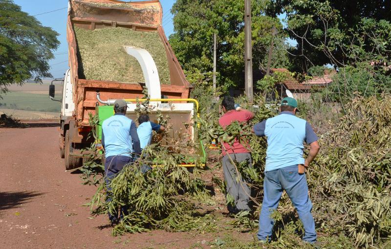 Prefeitura realiza mutirões de limpeza em comunidades do interior