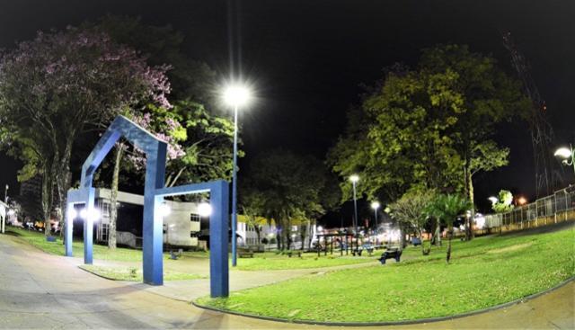 Prefeitura de Assis Chateaubriand faz melhorias na iluminação da cidade
