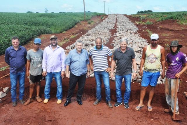 Pavimentação poliédrica avança na comunidade São Pedro de Assis Chateaubriand