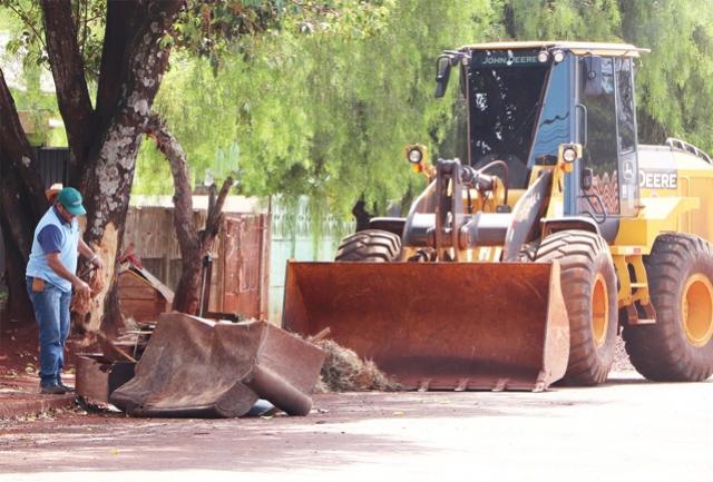 Prefeitura de Assis orienta moradores a não depositarem entulhos no período de emergência