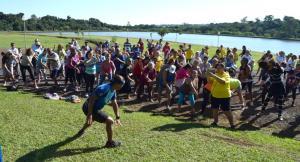 Idosos de Assis participam da Caminhada Ecológica