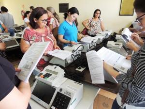 Eleições do Conselho Tutelar: urnas são lacradas e mesários capacitados em Assis