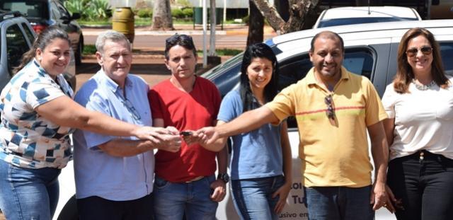 Governo de Assis Chateaubriand entrega novo veículo ao Conselho Tutelar