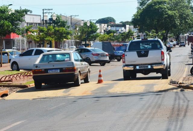 Assis Chateaubriand inicia construção de faixas elevadas na Avenida Tupãssi