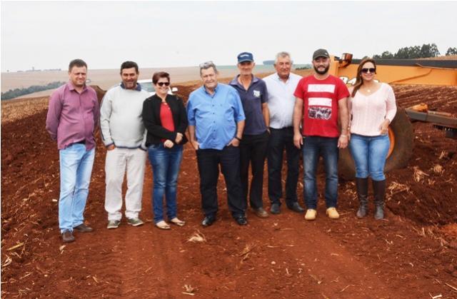 Município de Assis promove adequações em estradas nas regiões de Bragantina e Encantado