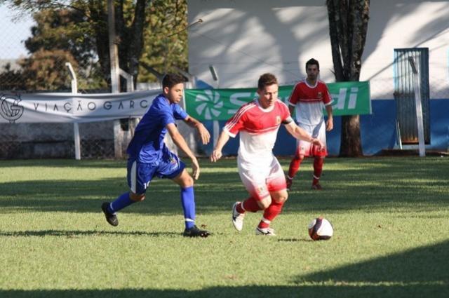Festa e chuva de gols marcam abertura da 3ª Copa Comcam/Sicredi na região
