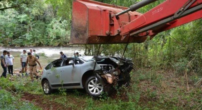 Ex-Jogador do Cascavel Recreativo morre ao cair com carro de ponte