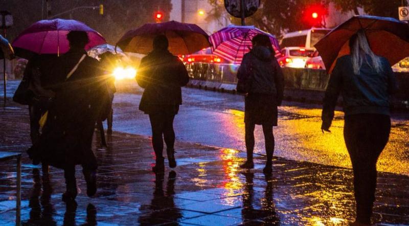 Temporal deixa cidades sem energia e desalojados