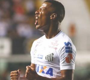 Arthur Gomes estreia na Vila Belmiro com gol pelo Santos: Me divirto
