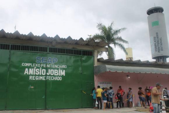Polícia recaptura 63 presos foragidos após rebeliões em presídios de Manaus