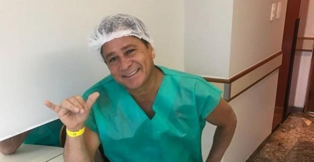 Antes de fazer cirurgia o cantor Leonardo brinca, com medo, mas com raiva de ficar sem beber