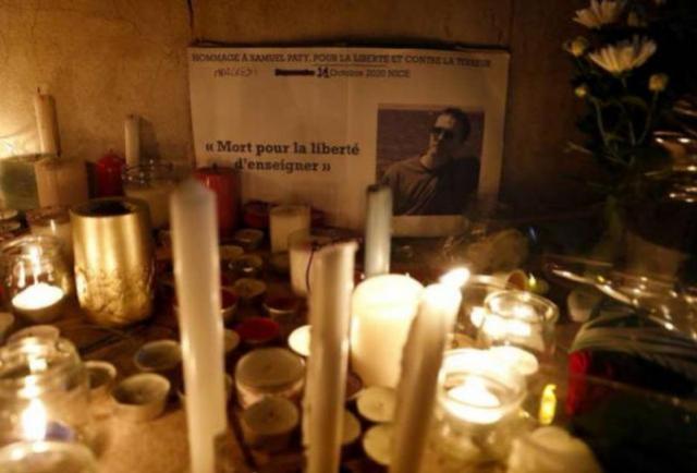 França indicia 7 pessoas por decapitação de professor