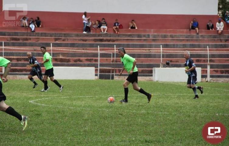 Jogo das Estrelas reúne craques do futebol paranaense em Angra Doce