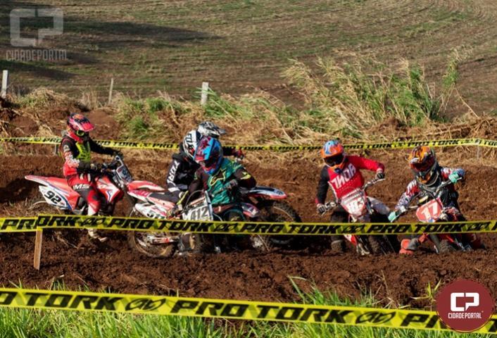 Copa Norte de Motocross integra programação dos JANS em Ribeirão Claro