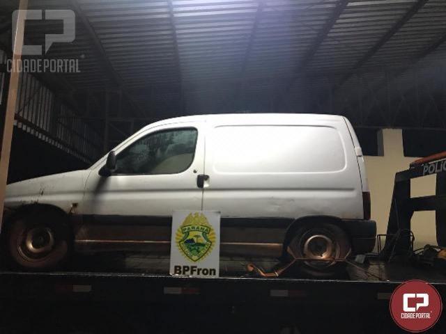 BPFRON apreende veículo carregado com produtos contrabandeados em Guaíra