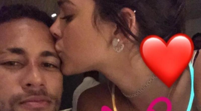 Bruna Marquezine e Neymar passam Réveillon juntos