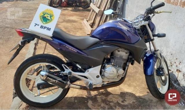 Polícia Militar apreende motocicleta com débitos administrativos em Mariluz