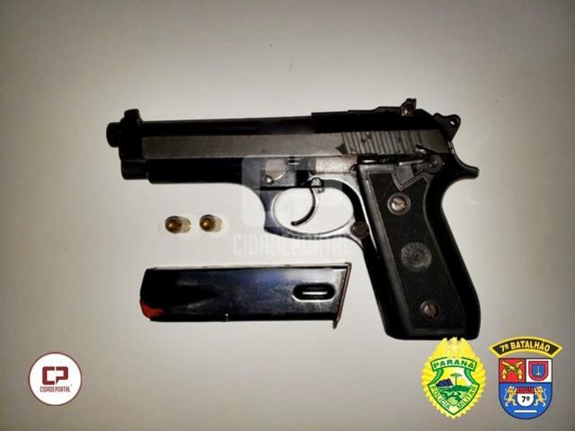 Polícia Militar prende duas pessoas e apreende arma de fogo em Mariluz