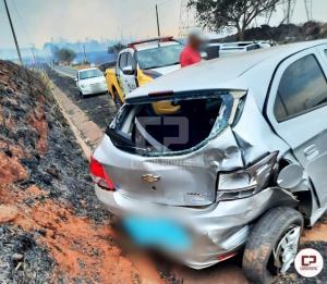 Fumaça na pista causa acidente de 4 veículos entre Mariluz e Umuarama