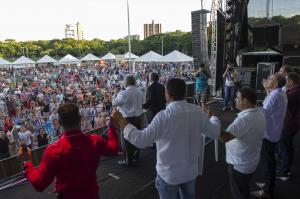 Aniversário de Toledo reúne milhares de pessoas no Parque Ecológico