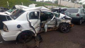 Três pessoas e um bebê morrem em acidente envolvendo dois carros entre Mariluz e Umuarama