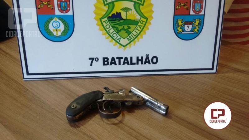 Polícia Militar prende uma pessoa por porte ilegal de arma de fogo em Mariluz