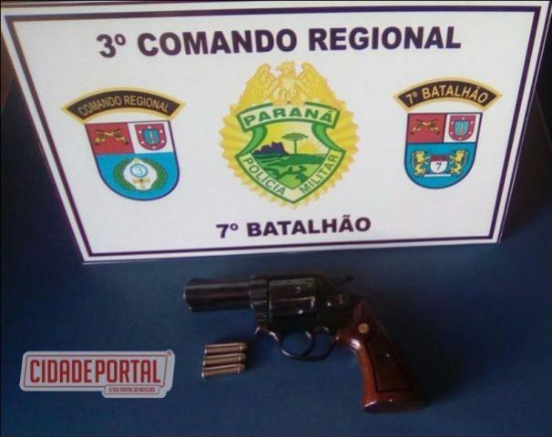 Homem ameaça cunhado de morte com arma a luz do dia na Avenida central de Mariluz e acaba sendo preso pela Polícia Militar